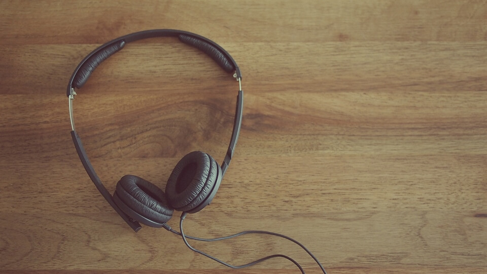NaNoWriMo Inspiration (Day 18): How podcasts help me write