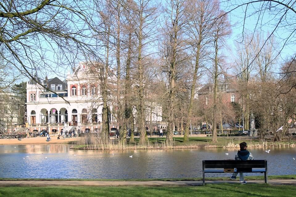 In photos: Amsterdam's Vondelpark in EarlySpring